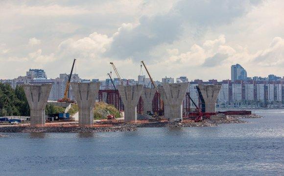 Опоры на Крестовском острове: